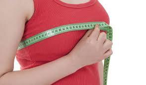 عملية تكبير الثدي .. الأسباب والمخاطر الناتجة عنها